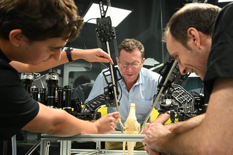 Персонализирани 3D отпечатани роботизирани хирургически инструменти за всеки пациент | ✅ Д-р Стоян Арнаудов - Ортопед | Травматолог ⭐️