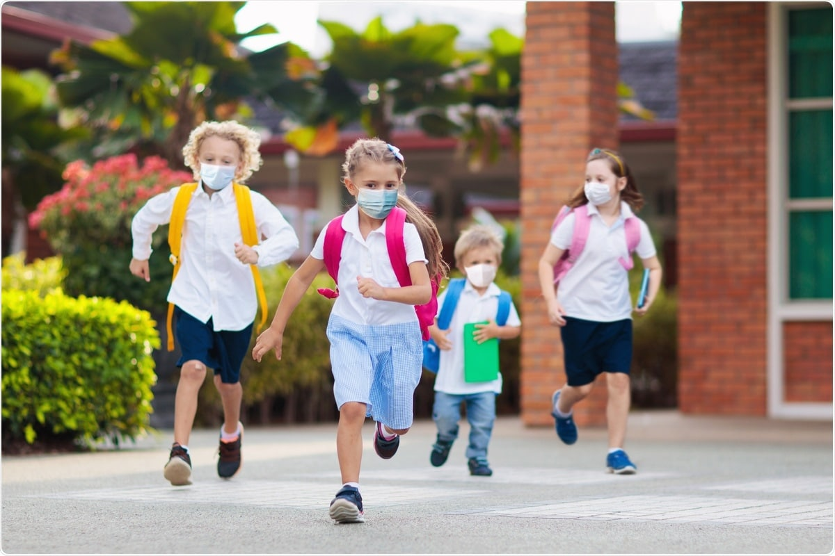 Проучване: Обединяване на наблюдението за SARS-CoV2: валидиране и стратегия за прилагане в училища K-12.