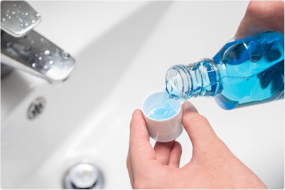 Изследване: Съдовете за изплакване на уста, съдържащи цетилпиридиниев хлорид, намаляват in vitro инфекциозността на SARS-CoV-2. Кредит за изображение: Ju Jae-young / Shutterstock