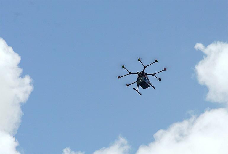 AT&T, Softbox и Merck тестват интелигентни дронове за доставка на лекарства | ✅ Д-р Стоян Арнаудов - Ортопед | Травматолог ⭐️