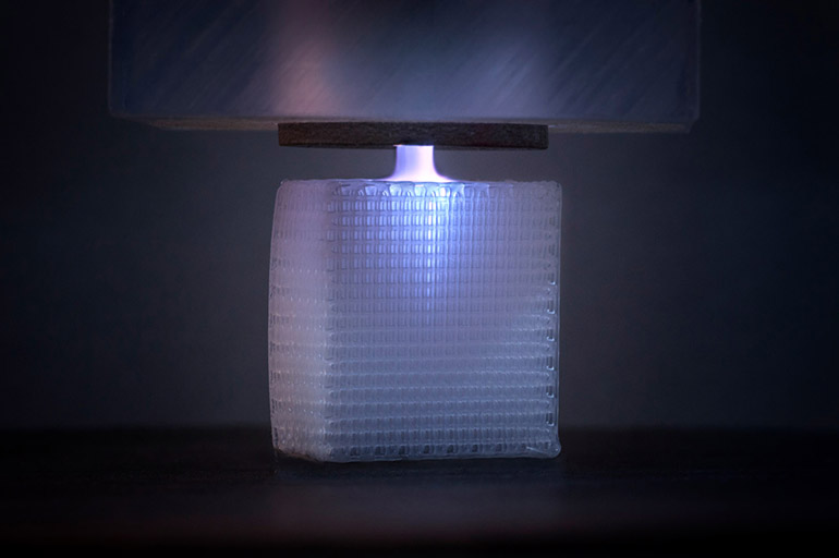 Прилагане на повърхностна обработка с 3D отпечатани импланти на всички повърхности, независимо дали са вътре или извън импланта.   ✅ Д-р Стоян Арнаудов - Ортопед   Травматолог ⭐️