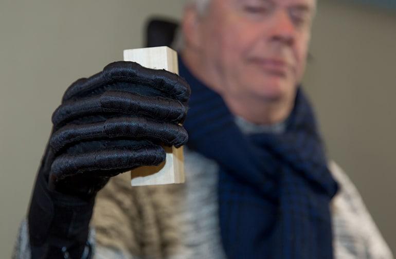 Мека роботизирана ръкавица помага за рехабилитация за хващане с ръце   ✅ Д-р Стоян Арнаудов - Ортопед   Травматолог ⭐️